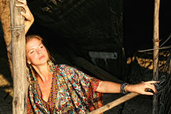 ντύνοντας εθνική γυναίκα Στοκ Εικόνες