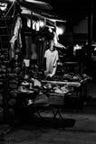 Ντύνοντας κατάστημα τη νύχτα Στοκ φωτογραφία με δικαίωμα ελεύθερης χρήσης