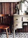 Ντύνοντας πίνακας & καρέκλα Στοκ Φωτογραφίες
