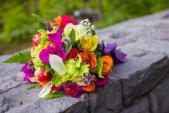 Νυφικά μικτά ανθοδέσμη λουλούδια Στοκ φωτογραφία με δικαίωμα ελεύθερης χρήσης