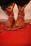 Νυφικά πόδια τελετουργικού Στοκ Φωτογραφία