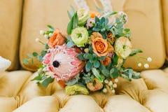 Νυφική ανθοδέσμη των φρέσκων λουλουδιών στοκ εικόνες με δικαίωμα ελεύθερης χρήσης