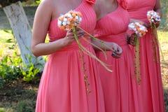 Νυφική ανθοδέσμη γαμήλιων λουλουδιών και νυφών Στοκ Φωτογραφίες