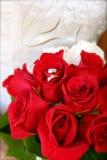 νυφικός γάμος δαχτυλιδιών ανθοδεσμών Στοκ Φωτογραφία