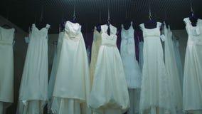 Νυφικό κατάστημα, κατάστημα γαμήλιων φορεμάτων μπουτίκ απόθεμα βίντεο
