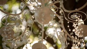 Νυφικό πακέτο συνδετήρων ακολουθίας εξαρτημάτων γαμήλιων ντεκόρ Αγροτικές floristic συνθέσεις λουλουδιών, τριαντάφυλλα, φόρεμα, λ απόθεμα βίντεο