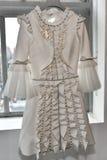 Νυφικό φόρεμα κατά τη διάρκεια του Βίκτωρ και του Rolf Mariage Spring/της παρουσίασης θερινής 2018 συλλογής Στοκ εικόνα με δικαίωμα ελεύθερης χρήσης
