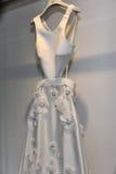 Νυφικό φόρεμα κατά τη διάρκεια του Βίκτωρ και του Rolf Mariage Spring/της παρουσίασης θερινής 2018 συλλογής Στοκ φωτογραφία με δικαίωμα ελεύθερης χρήσης