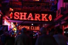Νυχτερινή ζωή στην οδό σε Pattaya Στοκ Εικόνες