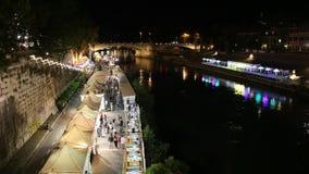 Νυχτερινή ζωή στη Ρώμη στον ποταμό Tiber φιλμ μικρού μήκους