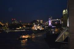 Νυχτερινή ζωή του Λονδίνου στοκ φωτογραφίες