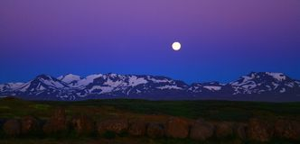 Νυχτερινός ουρανός κοντά σε Stykkisholmur, Ισλανδία στοκ εικόνες