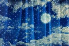 Νυχτερινός ουρανός με το φεγγάρι Στοκ Εικόνες