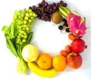 νωποί καρποί Ανάμεικτη ζωηρόχρωμη, καθαρή κατανάλωση φρούτων, διάστημα αντιγράφων στοκ φωτογραφίες