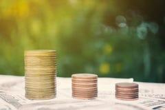 Νόμισμα στο υπόβαθρο δέντρων bokeh Στοκ φωτογραφίες με δικαίωμα ελεύθερης χρήσης