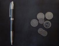 Νόμισμα της Κίνας Yaun με την κομψή μάνδρα στο μαύρο υπόβαθρο Στοκ εικόνες με δικαίωμα ελεύθερης χρήσης