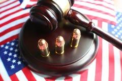 Νόμοι πυροβόλων όπλων υψηλοί - φωτογραφία ποιοτικών αποθεμάτων στοκ φωτογραφίες