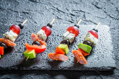 Νόστιμα τρόφιμα δάχτυλων με τα λαχανικά και τα χορτάρια Στοκ Εικόνες