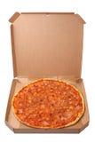 Νόστιμη πίτσα στο κιβώτιο Στοκ φωτογραφίες με δικαίωμα ελεύθερης χρήσης