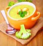 Νόστιμη σούπα κρέμας μπρόκολου Στοκ Εικόνες