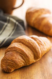Νόστιμος βουτυρώδης croissant στοκ φωτογραφία με δικαίωμα ελεύθερης χρήσης