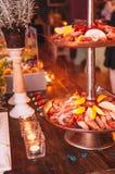 Νόστιμος ζωηρόχρωμος και εύγευστος ιταλικός μπουφές στο εστιατόριο Στοκ εικόνα με δικαίωμα ελεύθερης χρήσης