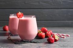 Νόστιμος φυσικός καταφερτζής φραουλών στοκ εικόνες με δικαίωμα ελεύθερης χρήσης