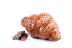 Νόστιμος croissant με τη σοκολάτα και μαρμελάδα που απομονώνεται στο λευκό στοκ φωτογραφίες με δικαίωμα ελεύθερης χρήσης