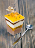 Νόστιμο κέικ λεμονιών Στοκ Φωτογραφίες