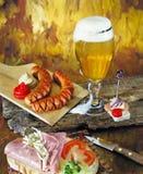 Νόστιμο σάντουιτς λουκάνικων μπύρας Στοκ φωτογραφία με δικαίωμα ελεύθερης χρήσης