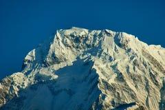 Νότια αιχμή Annapurna και πέρασμα στα βουνά του Ιμαλαίαυ, περιοχή Annapurna, του Νεπάλ στοκ εικόνες με δικαίωμα ελεύθερης χρήσης