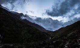 Νότια αιχμή Annapurna με την εκλεκτική εστίαση Στοκ Φωτογραφίες