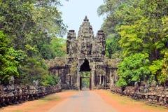 Νότια πύλη στην αρχαία πόλη Angkor Thom, Καμπότζη Στοκ Εικόνες