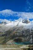 Νότιες σειρά και λίμνη των Άνδεων στη Χιλή στοκ φωτογραφία