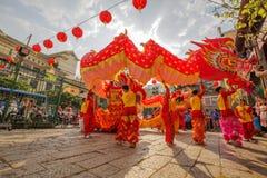 Νότιος χορός λιονταριών στη τελετή έναρξης ματιών, γυναικεία Thien Hau παγόδα, Βιετνάμ Στοκ εικόνες με δικαίωμα ελεύθερης χρήσης
