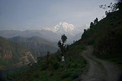 Νότος και Hiunchuli Φ Annapurna Στοκ φωτογραφία με δικαίωμα ελεύθερης χρήσης
