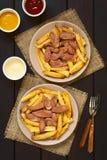 Νότος Salchipapas - αμερικανικό γρήγορο φαγητό Στοκ Εικόνες