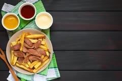 Νότος Salchipapas - αμερικανικό γρήγορο φαγητό Στοκ Φωτογραφία