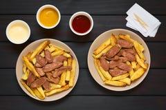 Νότος Salchipapas - αμερικανικό γρήγορο φαγητό Στοκ εικόνες με δικαίωμα ελεύθερης χρήσης