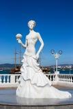 Νύφη ` γλυπτών ` Gelendzhik στο ανάχωμα Gelendzhik στοκ φωτογραφίες
