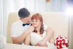 Νύφη και νεόνυμφος στον πίνακα Στοκ Εικόνα