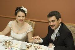 Νύφη και νεόνυμφος στο γεύμα στοκ φωτογραφία