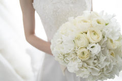 Νύφη με μια όμορφη ανθοδέσμη Στοκ εικόνα με δικαίωμα ελεύθερης χρήσης