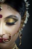 Νύφη με το κόσμημα στοκ εικόνες με δικαίωμα ελεύθερης χρήσης