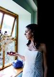 νύφη που απολαμβάνει τη στ&i Στοκ Φωτογραφία