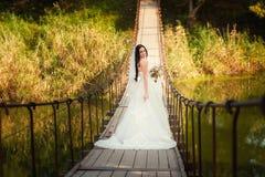 Νύφη στη γέφυρα Στοκ Εικόνες