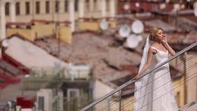 Νύφη στη στέγη απόθεμα βίντεο
