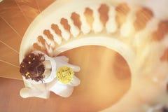Νύφη στο όμορφο μέγαρο Στοκ Φωτογραφίες