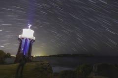 Νύχτα αστεριών φάρων Στοκ φωτογραφία με δικαίωμα ελεύθερης χρήσης