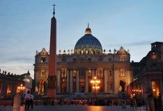 Νύχτα βασιλική Βατικάνου - ST Peters - Ρώμη - Ιταλία Στοκ Εικόνες